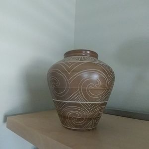 Vase with etchings